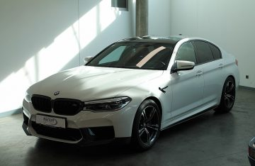 BMW M5 Aut.  F90   Leder / Bowers & Wilkins  /  Head-Up bei AB Automobile Service GmbH in Wien